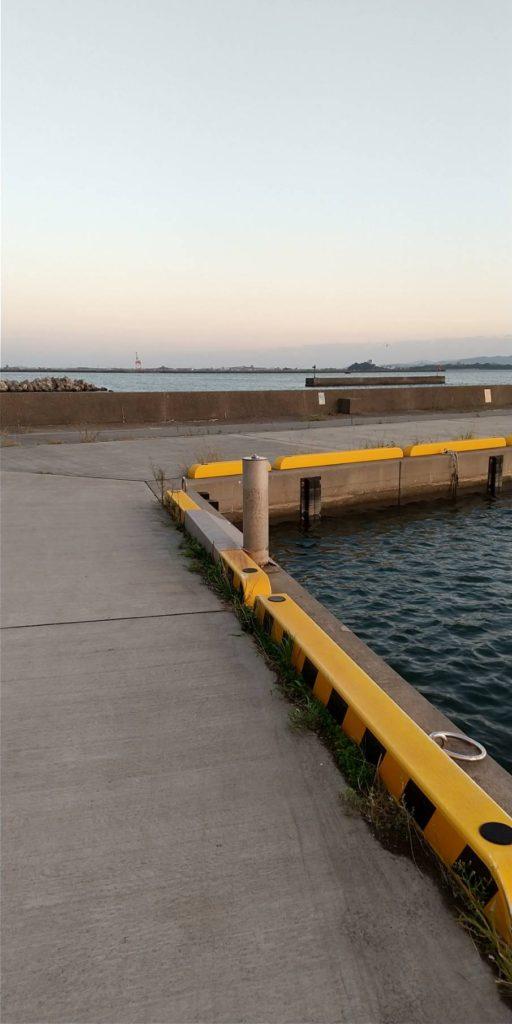 小松島の元根井漁港